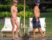 Hillary Swank on vactions in Hawaii