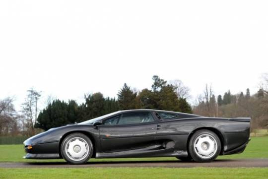 1994 Jaguar XJ220 once considered Jaguar's fastest-ever road car at Historics auction
