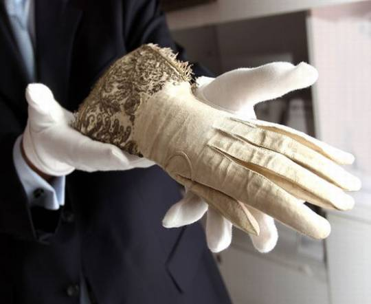 Queen's  historic gloves