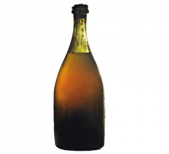 1774 Vin Jaune wine bottle