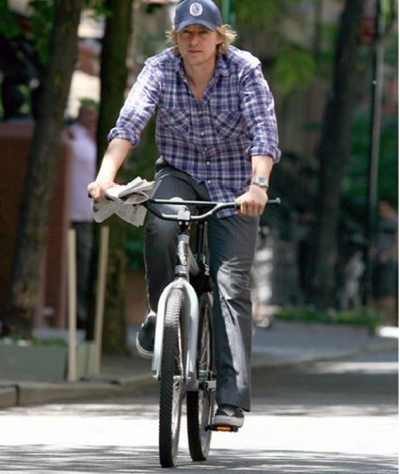 Owen Wilson wears Vans Classic Slip On Sneakers