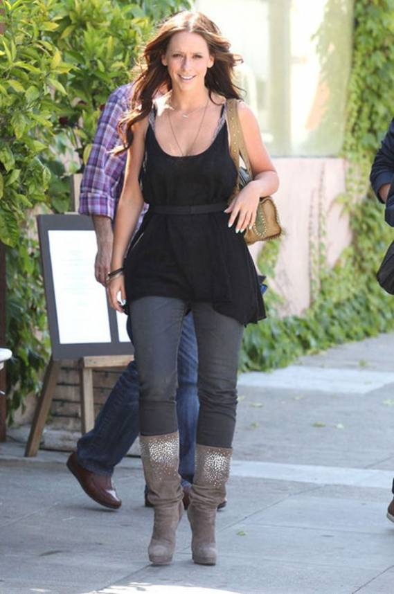 Jennifer Love Hewitt was spotted wearing Casadei Saturn Suede Slouch during a lunch with friends at a restaurant in Studio City, California.