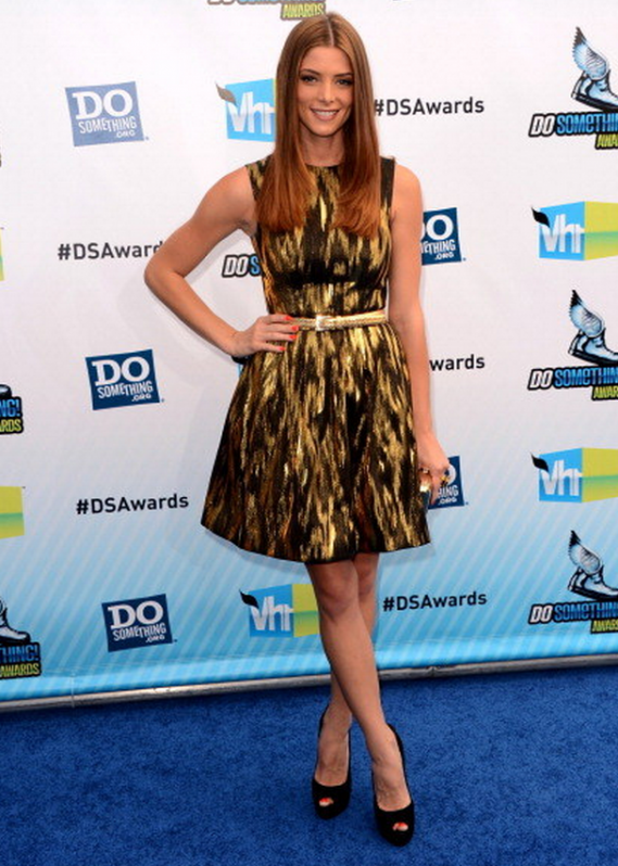 Ashley Greene arrived at the Do Something Awards 2012 sporting a pair of stunning metal heel suede pumps by Giuseppe Zanotti.