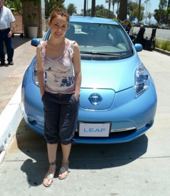Alyssa Milano drives Nissan Leaf