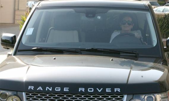Sharon drives Range Rover