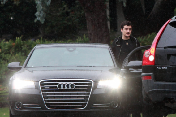 Orlando Bloom drives Audi A8