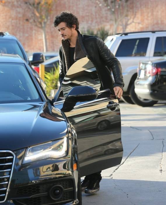 Orlando Bloom drives Audi Q7