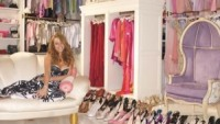 Mariah's cloth room and show room
