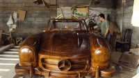 Mercedes Benz 300SL Gullwing made entirely out of wood is the finest piece of automotive crafting
