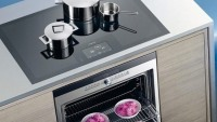 Siemens full-surface induction cooktop liberates you from restrictive cooking zones