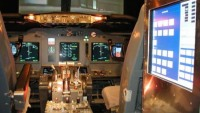$150,000 Boeing 737 Flight Simulator is made out of Old Airliner
