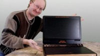 Ben Heck is back with a 1970s Atari-inspired Xbox 360 laptop
