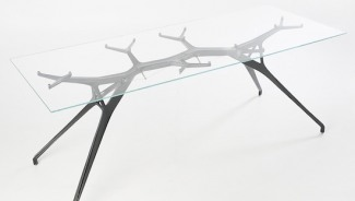 Ramus M1 carbon fiber table is inspired by tree branch