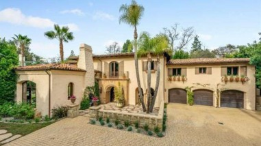 Miley Cyrus lists her Toluca Lake home for sale