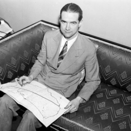 the life and accomplishments of howard hughes Early life in 1909 hughes's father, howard r hughes, sr, invented a rotary bit  for oil well drilling that made the family extremely wealthy the younger hughes.