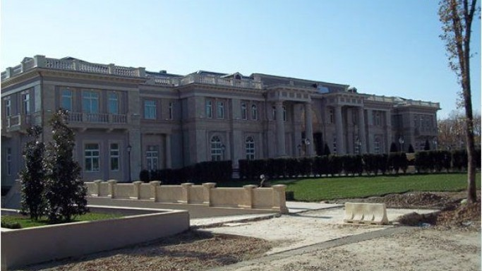 $950 million Putin's Italianate palace
