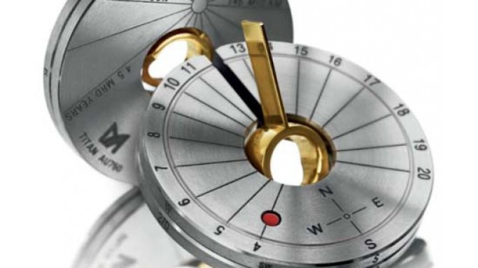 Meister Men's Accessories Features Collapsible Compass Sundial Pendant