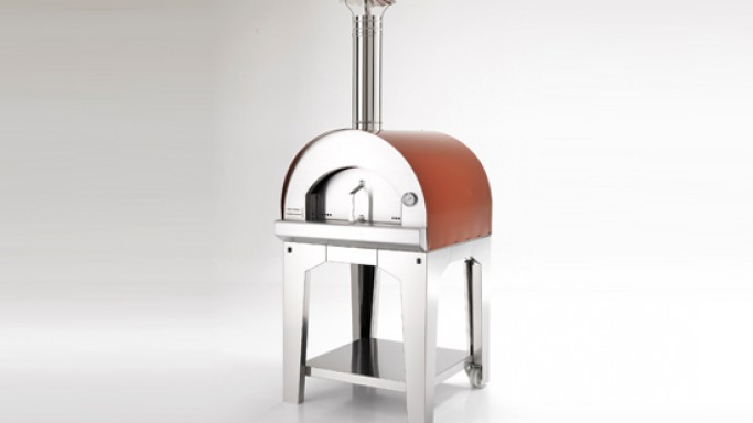 Fontana Forni ovens are ideal for outdoor summer parties at home