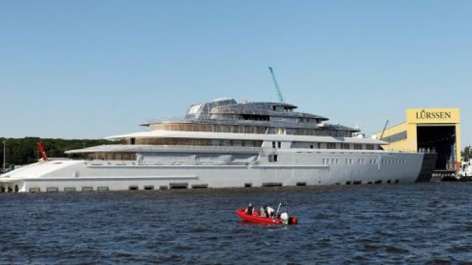 Lurssen £400 million Project Azzam is now the world's largest private yacht