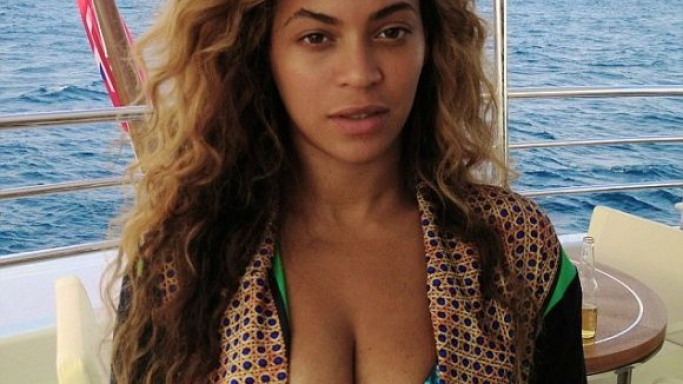 Beyonce Knowles on vacations in France
