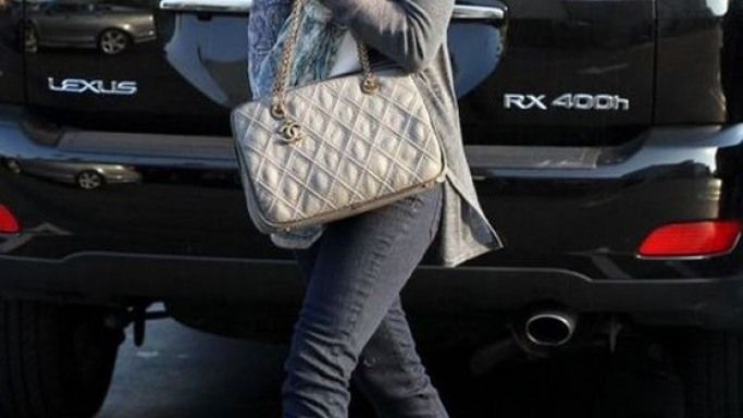 Ms.Hannigan often makes use of the RX400H from Lexus while going around with hubby and kids.