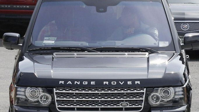 Range Rover car - Color: Black  // Description: elegant