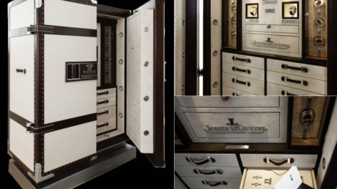 Doettling designs safe for the $2.5 million Jaeger-LeCoultre watch set