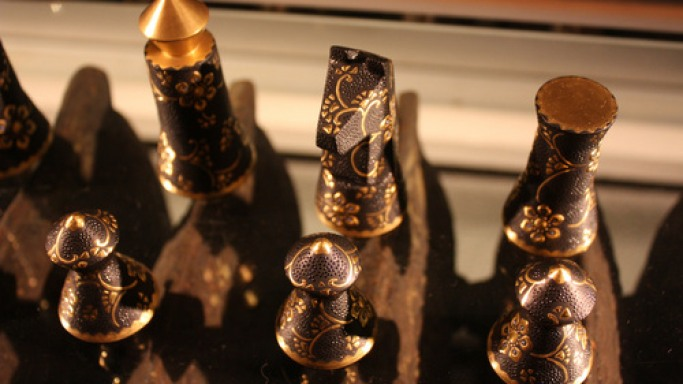 Designer creates world's first lacquered chess sets for wealthy New Yorkers