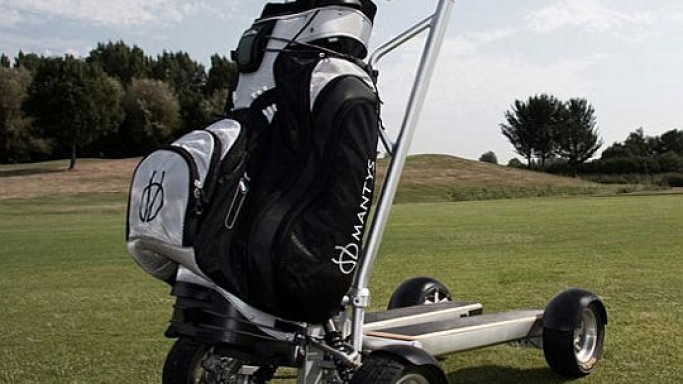 Mantys golf scooter makes the regular golf carts a passé