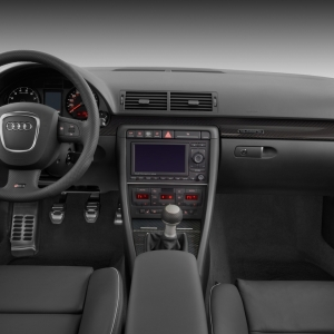 Audi RS4 (2005) - picture 11 of 24